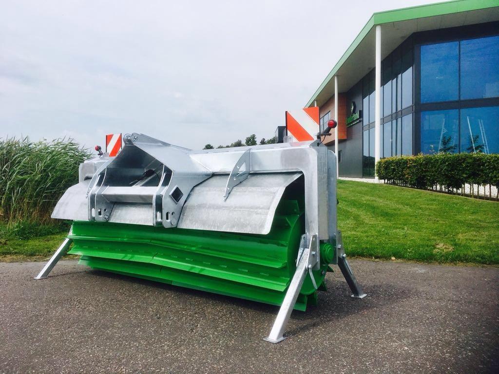 Zocon Greencutter met een werkbreedte 2750mm, ook ideaal als kuilverdichtingswals. Voor informatie kijk je op www.zocon.eu