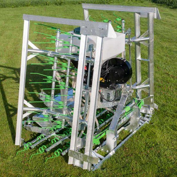 Zocon Greenkeeper heeft een verzinkt frame, hoekbeveiliging en een zeer zware bok. Kijk voor alle specificaties en opties op www.zocon.eu of bel met 0513-71433