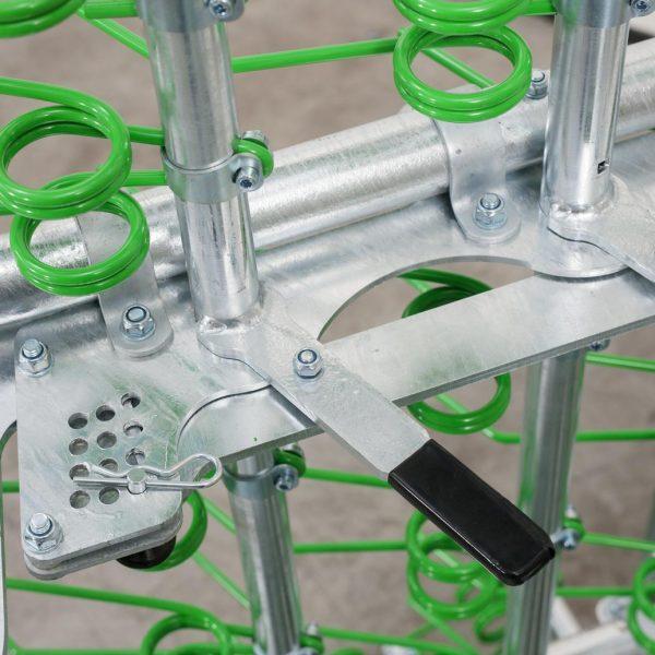 Zocon Greenkeeper. Leverbaar met verschillende opties zoals loopwiel, traptreden, LED verlichting enz. Neem voor informatie contact op met Zonderland Machinehandel of Zonderland Constructie; info@zocon.eu